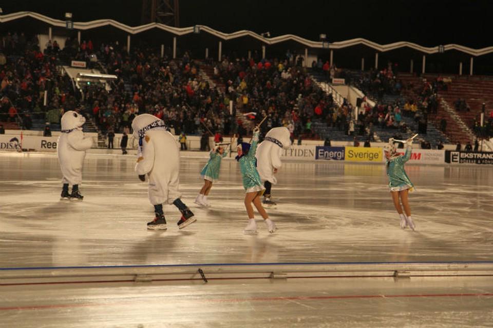 Момент открытия чемпионата мира по бенди 2014, который также проходил в Иркутске