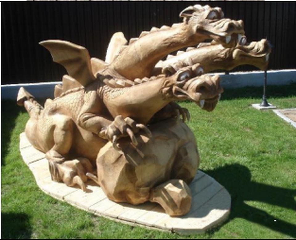 Вместо деревянного дракона в сквере установят вот такого Змея Горыныча