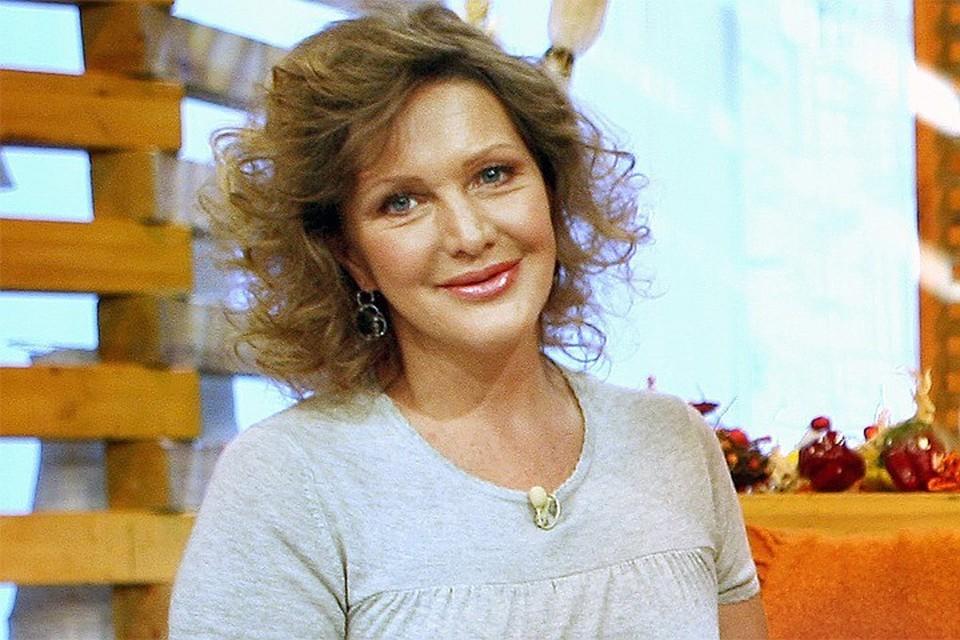 Актриса Елена Проклова получила надбавку благодаря званию Заслуженной артистки РФ