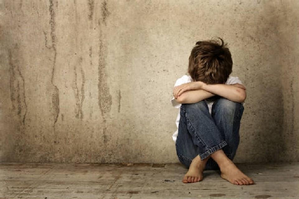 Кошмар в Молдове: Группа парней в течение двух лет насиловала 9-летнего мальчика - его мать обо всем знала