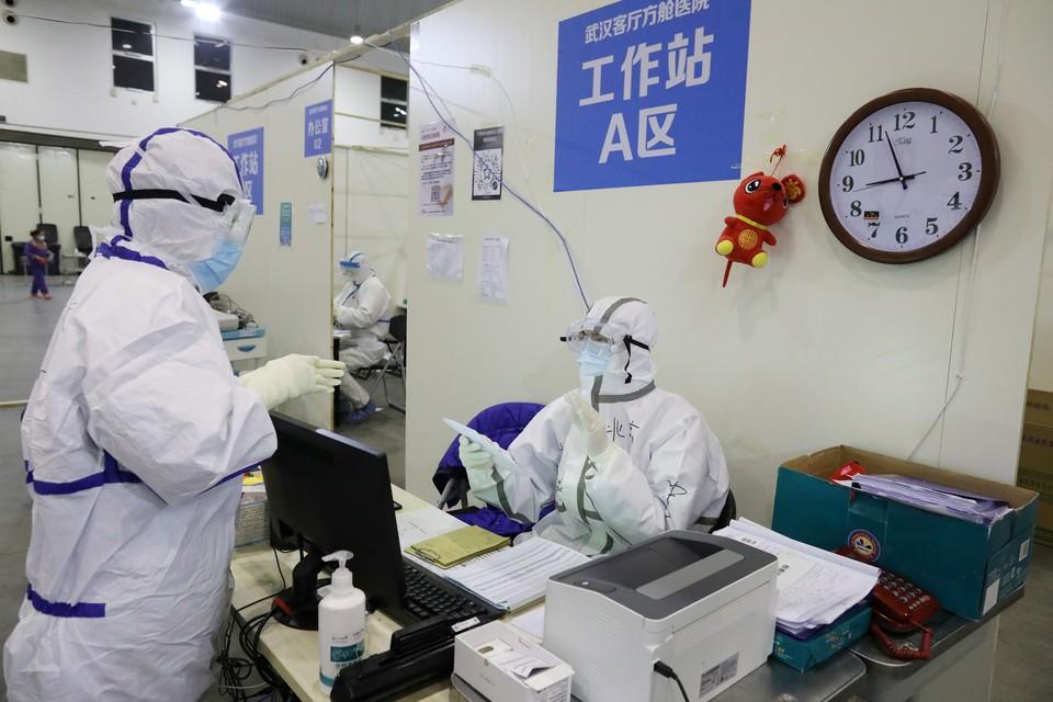 Общее число заболевших в мире перевалило за 71 тысячу человек.