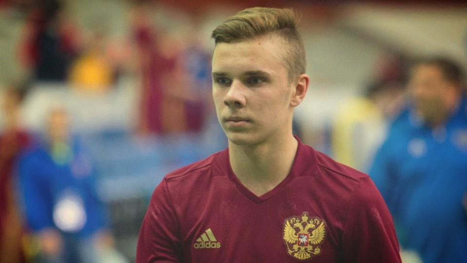 Максим Глушенков – игрок молодежной сборной России.