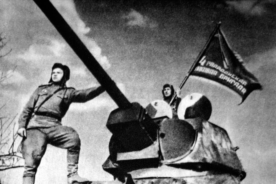 За 75 лет никто не знает об истинных потерях. Советский Союз потерял от 10 до 15 процентов населения за эти страшные 1418 дней