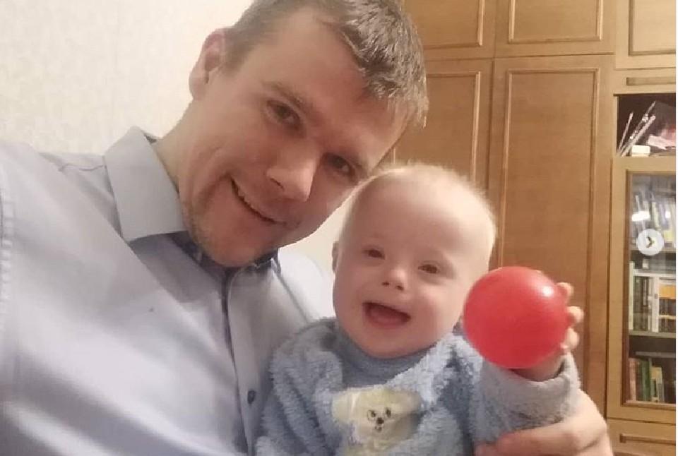 Евгений очень счастлив тому, что стал отцом. Фото: соцсети героя публикации