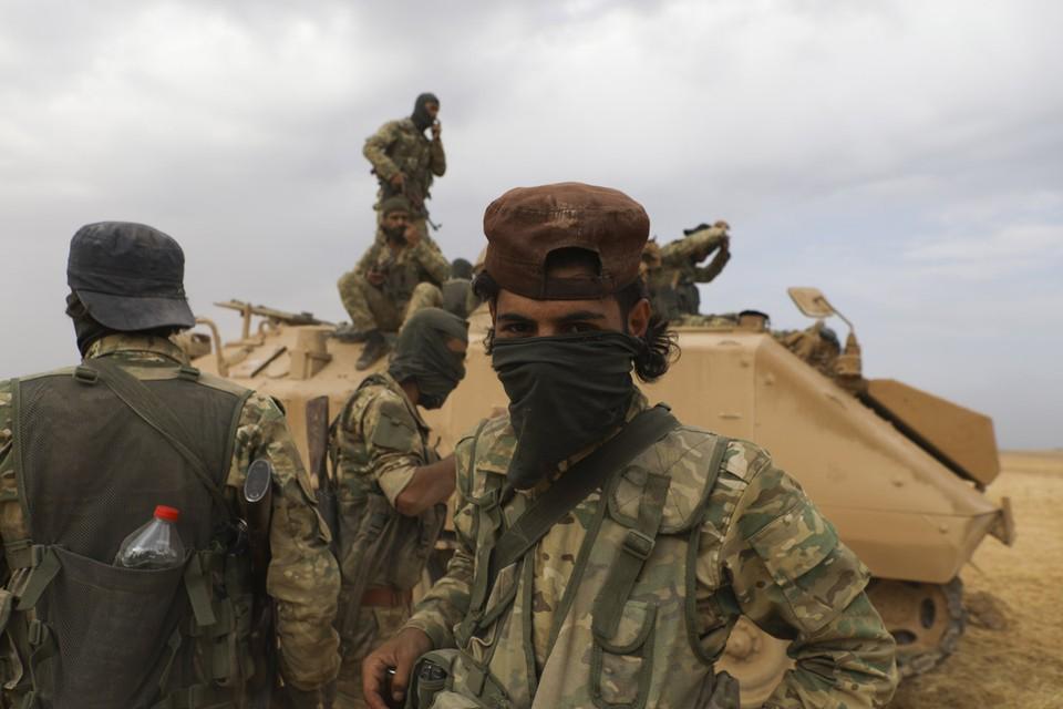 По данным Минобороны России, турецкие военные были в боевых порядках террористов, которые пошли в наступление в провинции Идлиб на северо-западе Сирии.