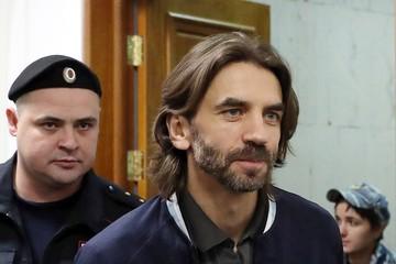 Арестованный экс-министр Абызов женится в СИЗО на экс-стюардессе
