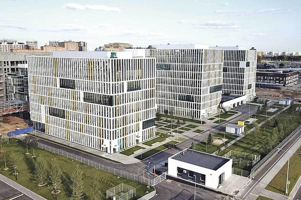 Клиника в Коммунарке новая, современная. Это настоящий медицинский городок. Фото: Архив Больницы №1.
