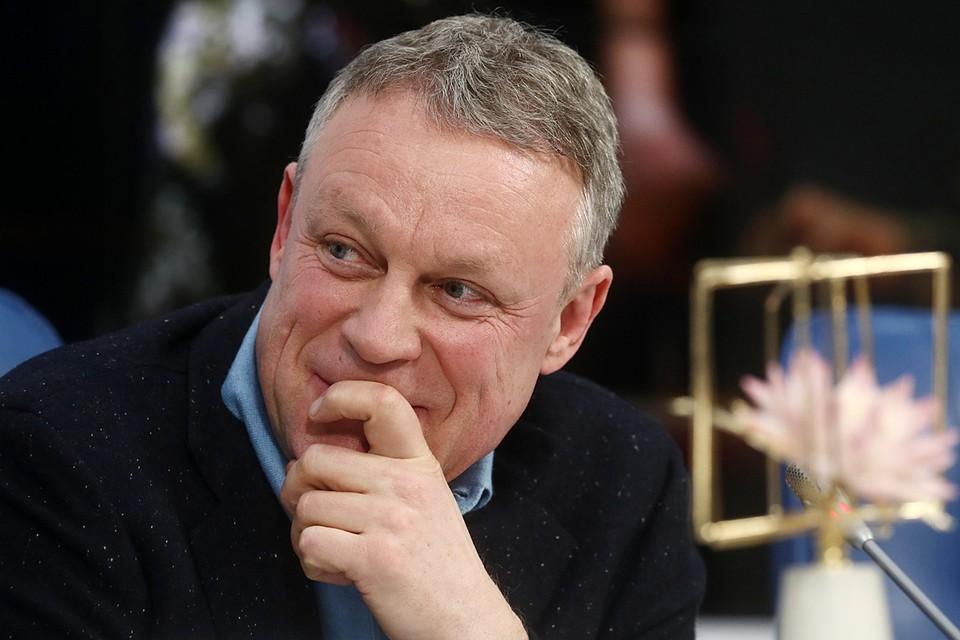 Сергей Жигунов на пресс-конференции. Фото: Сергей Фадеичев/ТАСС