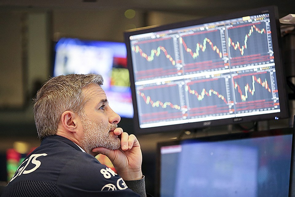 Цена на нефть Brent за ночь обвалилась более чем на 30%
