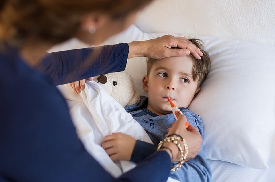 По правилам ухаживать за заболевшим должен только один член семьи.