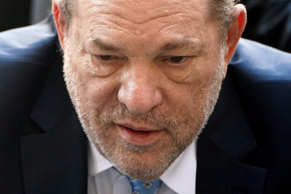 Голливудский продюсер Харви Ванштейн был приговорен судом к 23 годам заключения за преступления сексуального характера.