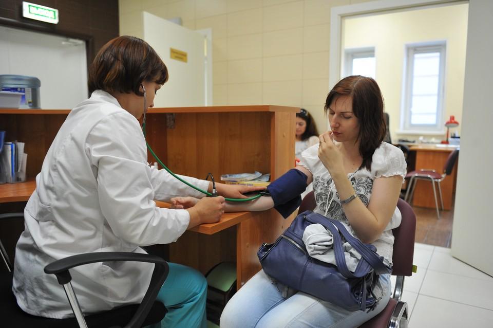 Людям с сердечно-сосудистыми заболеваниями нужно быть особенно внимательными к своему здоровью в условиях распространения COVID