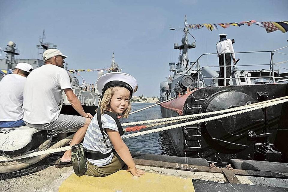 Севастополь проявил решимость и остался городом славы русских моряков...