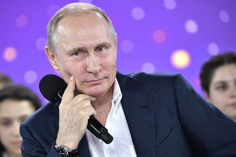 Владимир Путин: Я же работаю каждый день, я не царствую