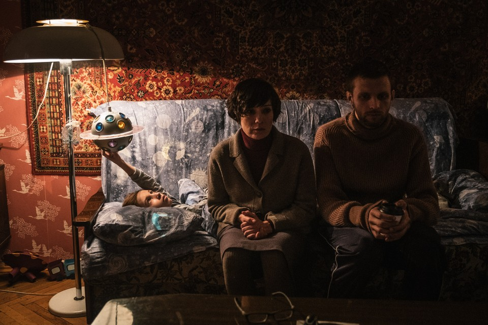 Кадр со съемок фильма «Петровы в гриппе». Фото Сергей ПОНОМАРЕВ