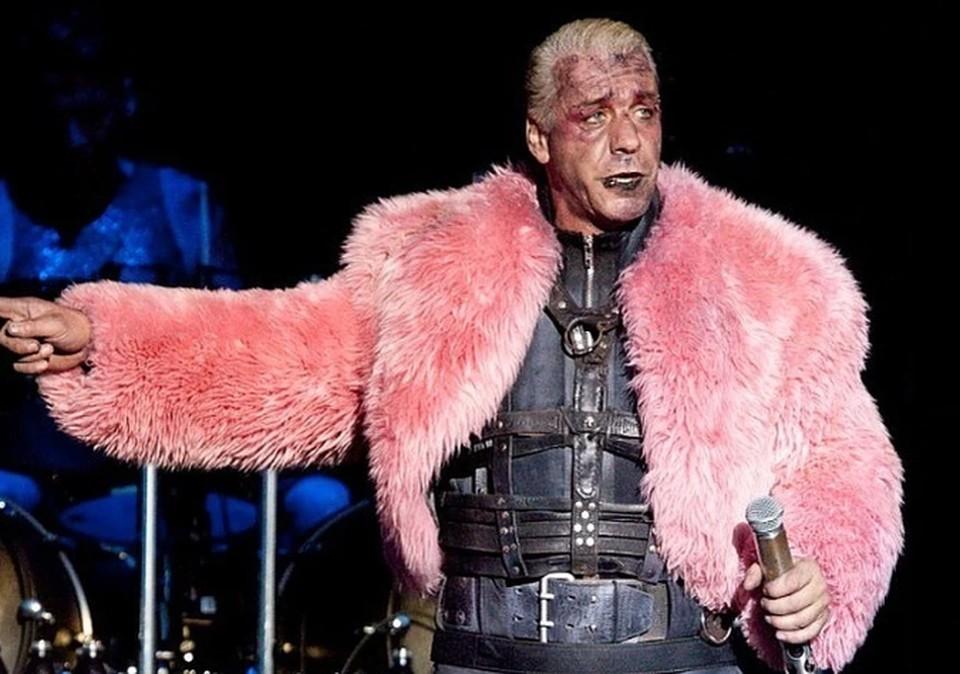 Солист немецкой рок-группы Rammstein Тилль Линдеманн госпитализирован в Берлине с подозрением на коронавирус COVID-19