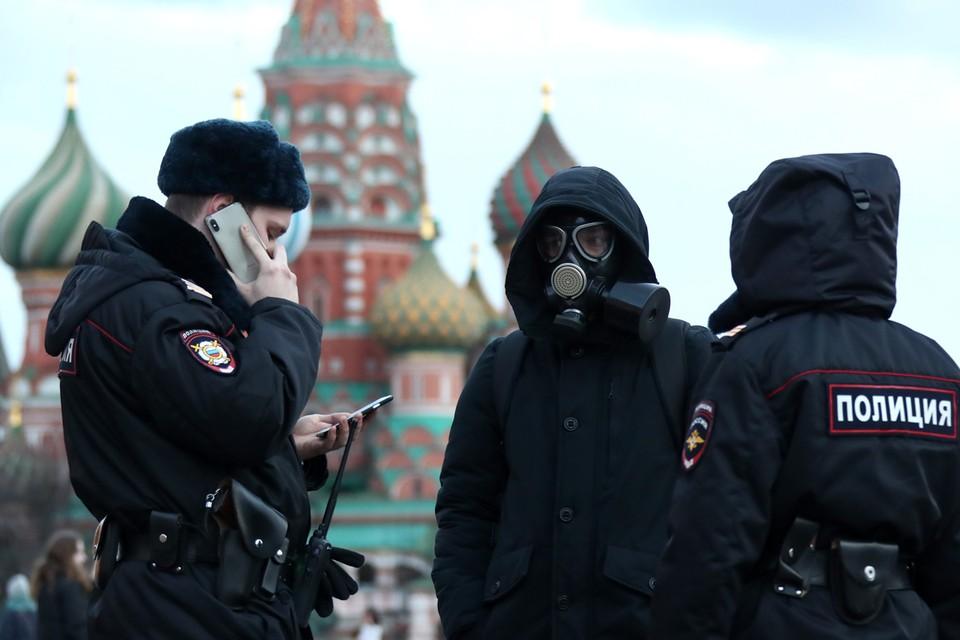 Правоохранители вычисляют распространителей фейков о коронавирусе в Интернете. Фото: Валерий Шарифулин/ТАСС
