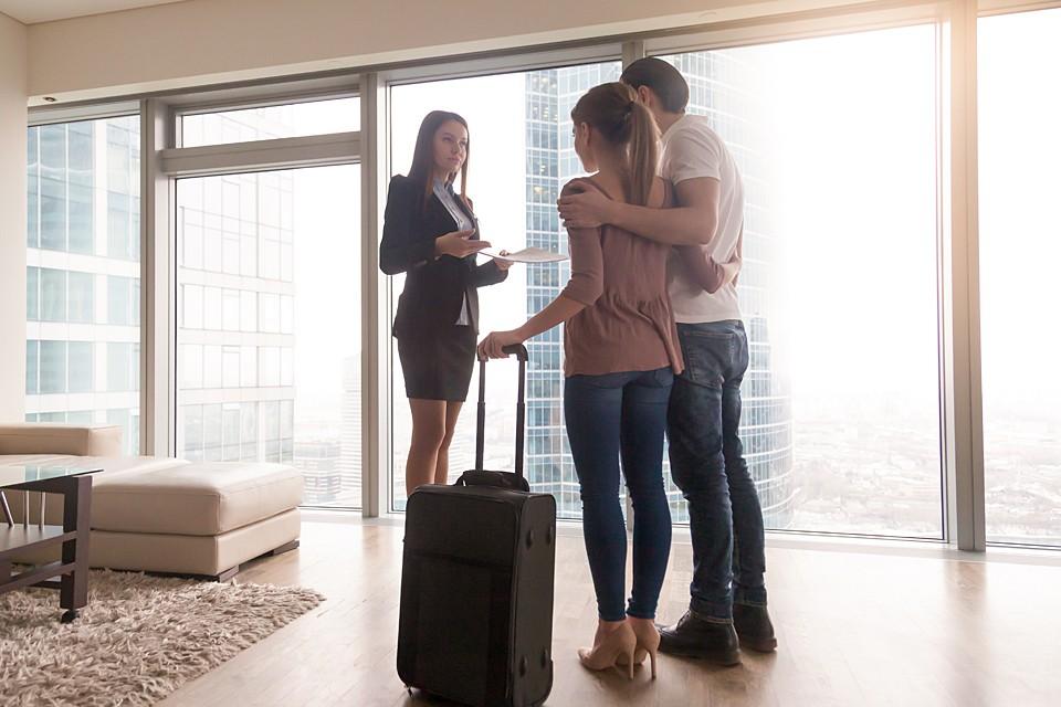 Как минимум, часть хозяев жилья сейчас готовы идти на уступки и снижать цены