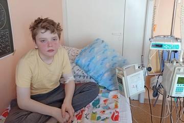 Школьник, потерявший отца в теракте над Синаем, просит помочь ему справиться с лейкозом