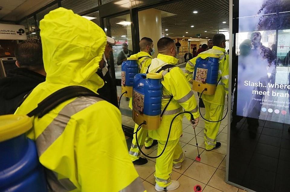 За последние сутки коронавирус обнаружили у 4070 жителей России, в общей сложности с начала пандемии на территории государства заболели 32 008 человек.