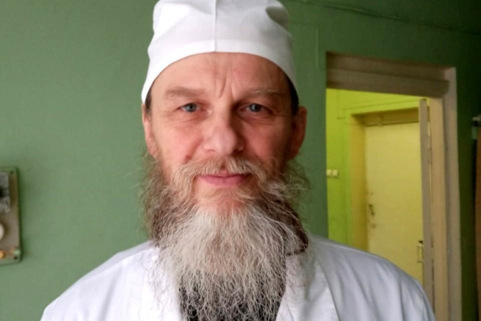 Виктором Никитенко стал священником два года назад. Позади 34 года работы в медицине. Фото: из архива Виктора Никитенко