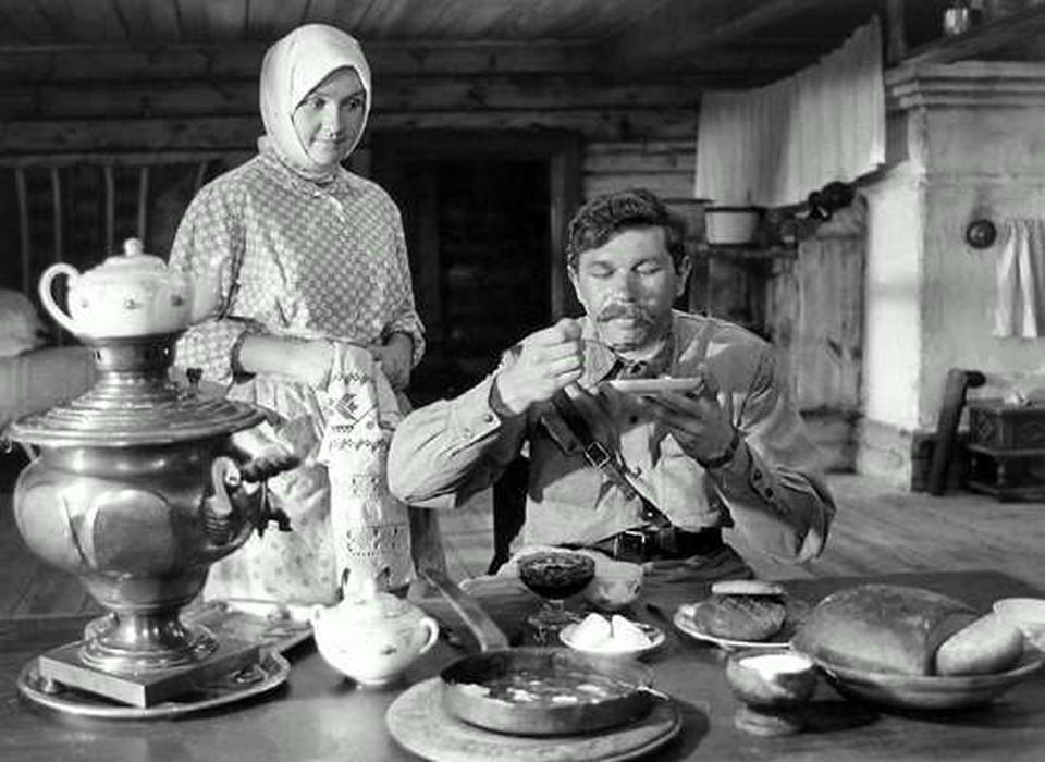 """Алла Мещерякова, заслуженная российская артистка, известная актриса театра и кино, умерла 11 мая в возрасте 77 лет. Фото: кадр из фильма """"А зори здесь тихие"""""""