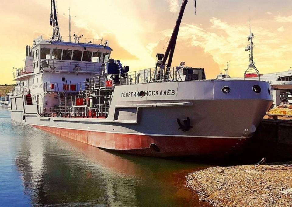 Уникальный самоходный «танкер-фабрика» создали специально для очистки Байкала. Фото: Федеральное агентство морского и речного транспорта