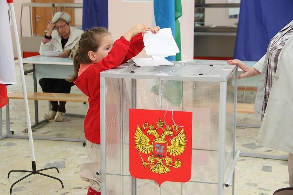 Волгоградцам предстоит решить сразу два вопроса: по поправкам в Конституцию и по часовому поясу для региона.