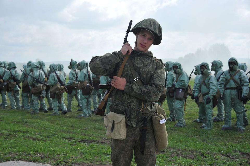 В этом году, в связи со сложной эпидемиологической обстановкой набор в высшие военные учебные заведения Минобороны России будет проведен в регионах проживания абитуриентов, без приезда курсантов в вуз.