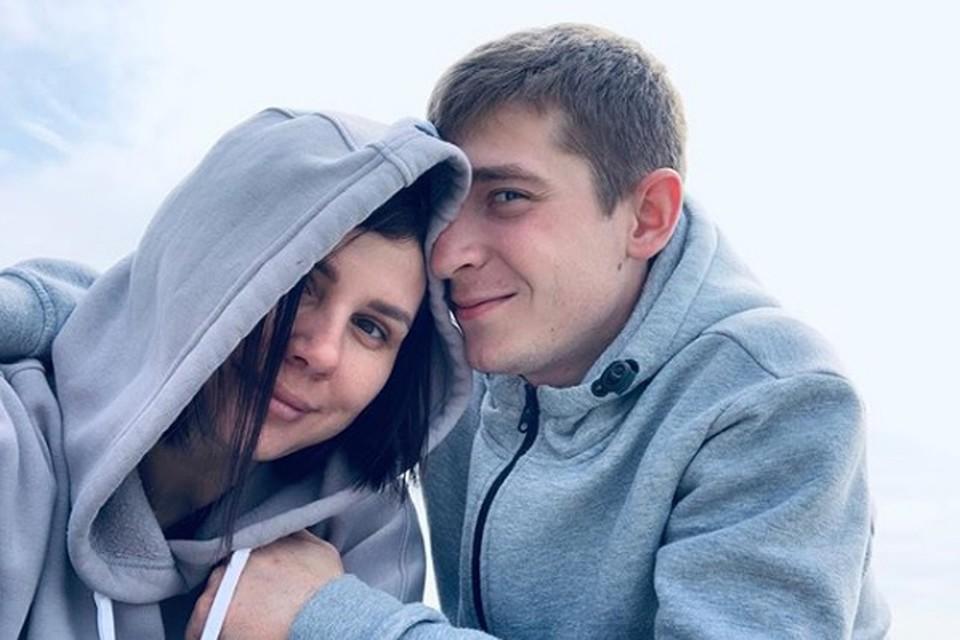 Марина со своим пасынком Вовой очень счастлива. Фото: instagram.com/marina_balmasheva/