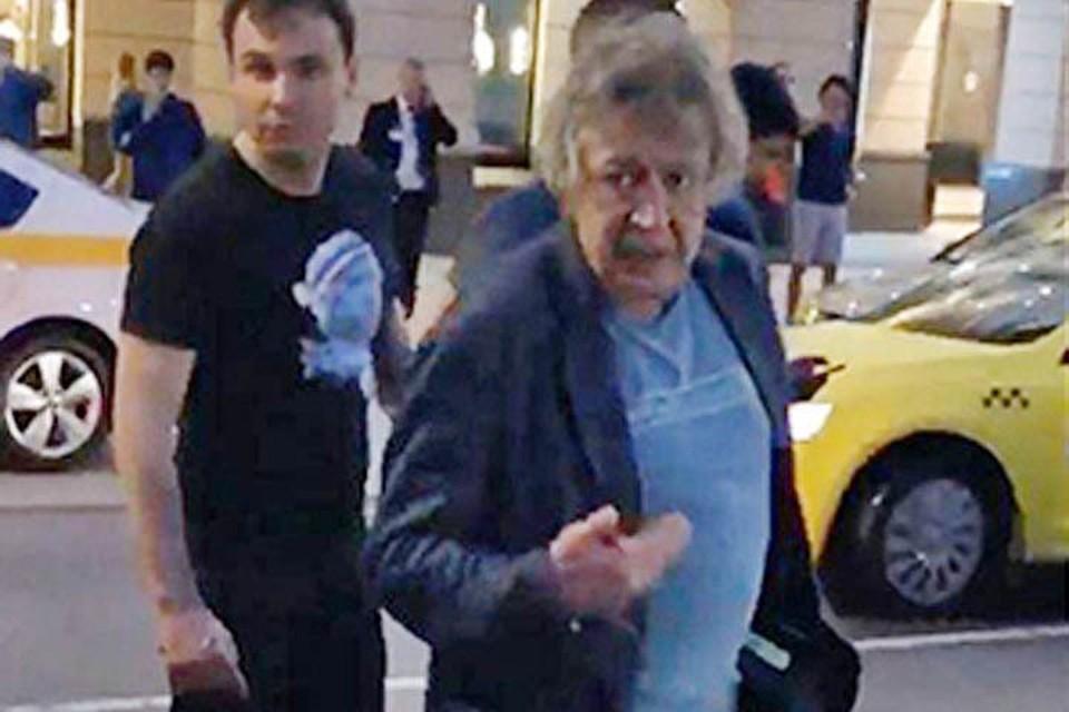 Михаил Ефремов после смертельного ДТП, которое он спровоцировал в центре Москвы, был опрошен и отпущен под подписку о невыезде.