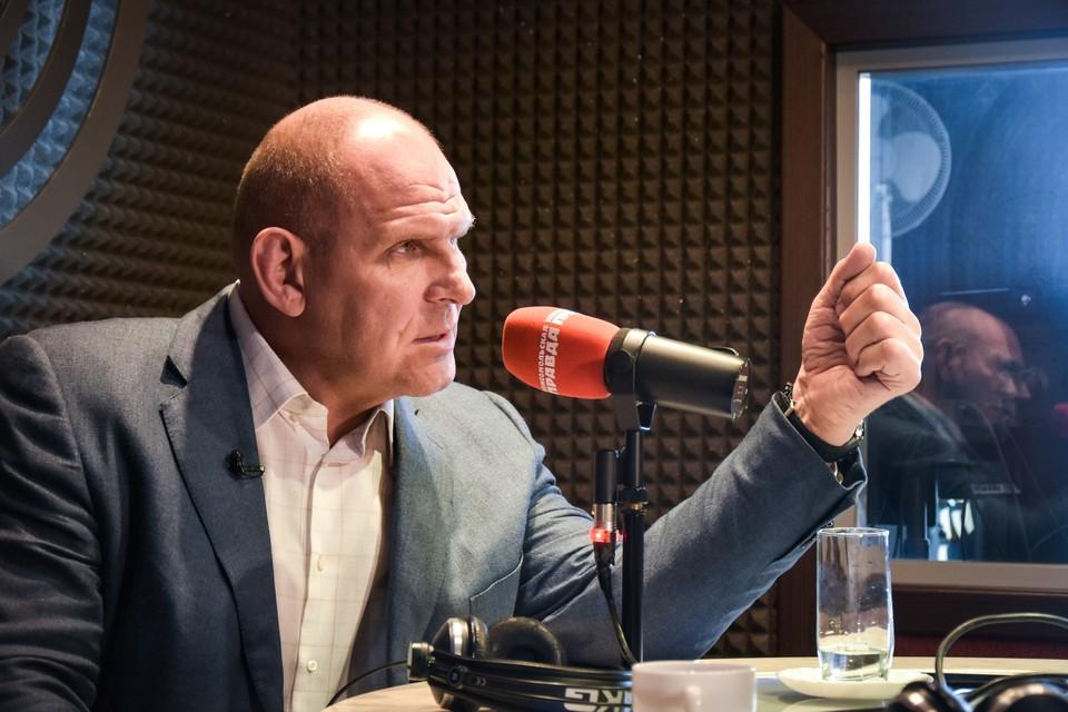 Александр Карелин в студии Радио «Комсомольская правда».