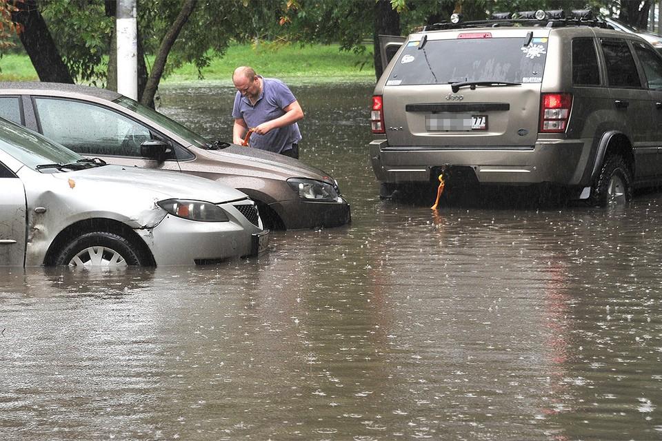 Пожалуй, каждый автомобилист задумался, как вести себя после сильного ливня и можно ли добиться выплат от страховой.
