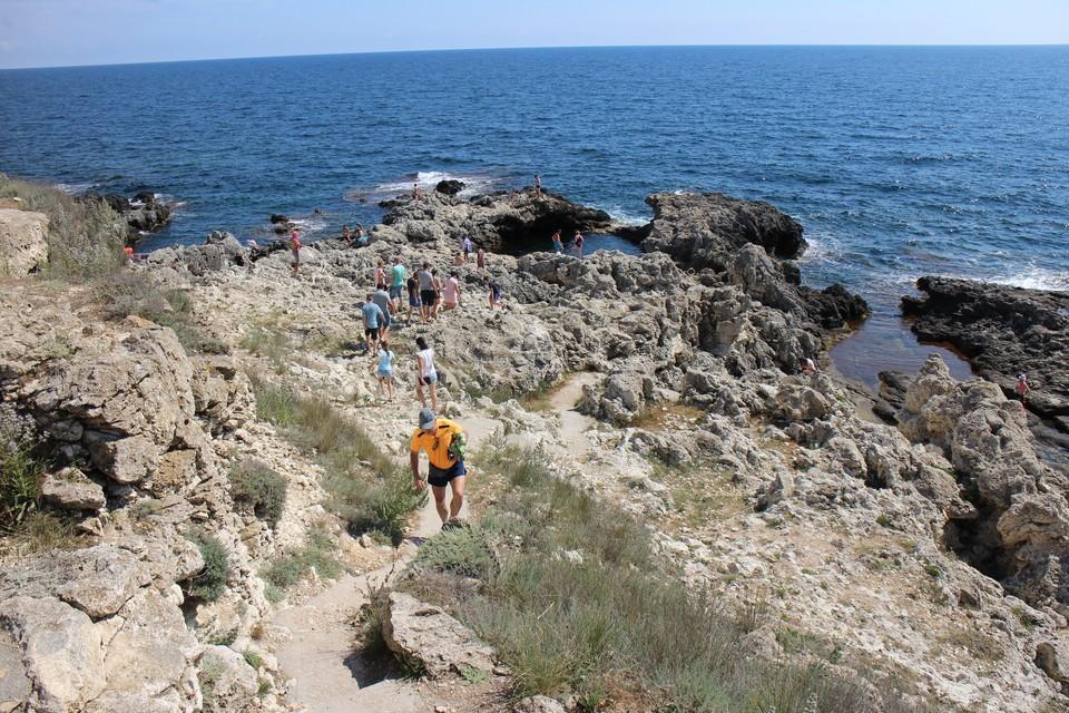 В Крыму тепло и солнечно.