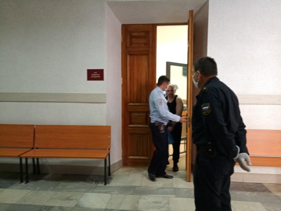 На первом заседании Антон Проскурин сообщил, что полностью признает вину