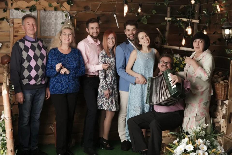 Все члены семьи Лысковых искренне рады проводить время друг с другом. Фото: предоставлено героем публикации