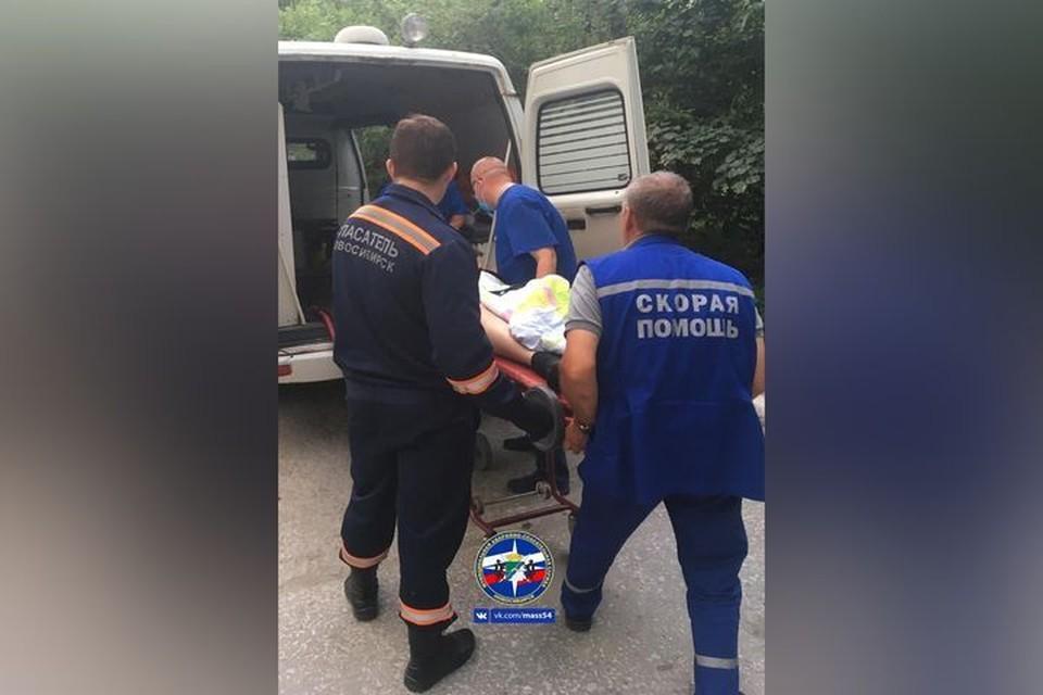 Спасатели МАСС оказали помощь мужчине, упавшему на стройке. Фото: архив МАСС