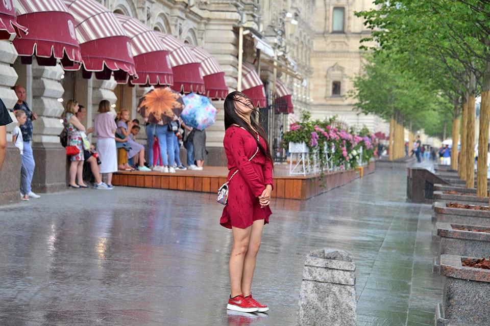 Теплые обильные дожди, как в тропиках, теперь не редкость в Москве