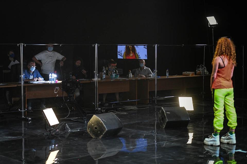 Первый канал не отклоняется от курса и запустил кастинг шоу «Голос-9». Фото: Максим ЛИ