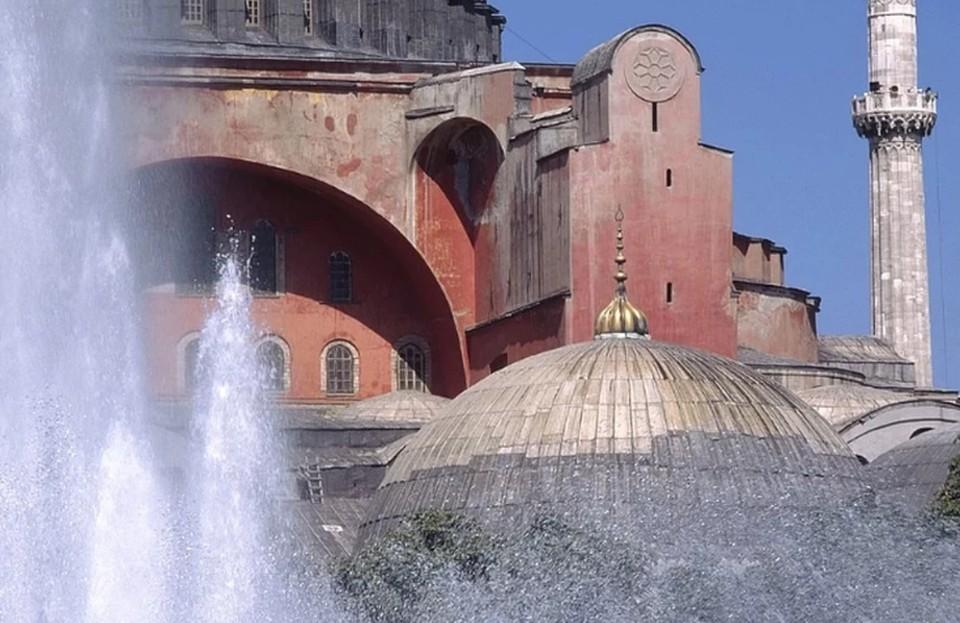 Святая София в Стамбуле снова стала мечетью