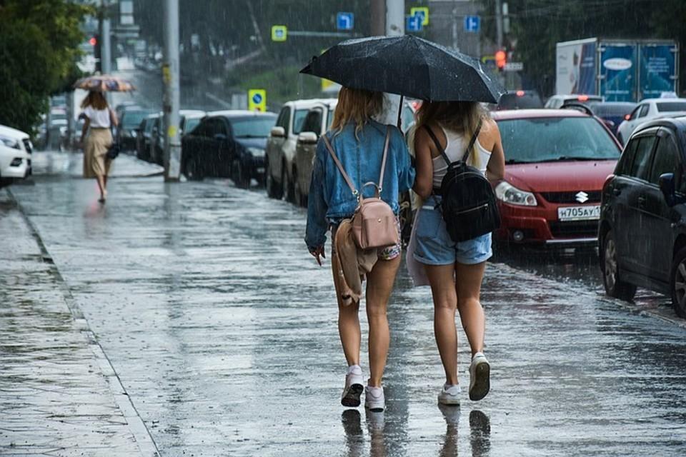 В Новосибирске продолжаются дожди.
