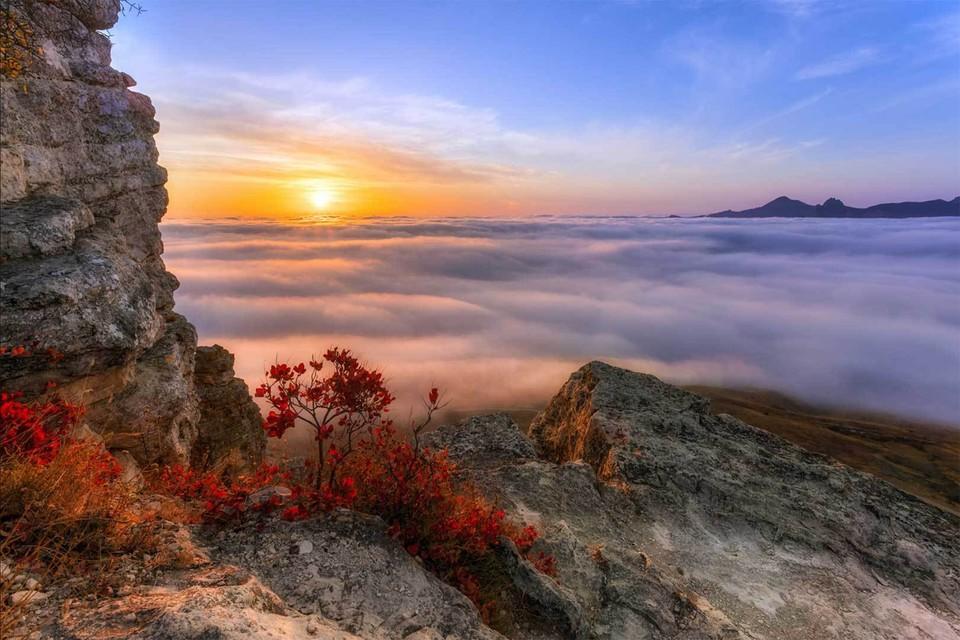 «Выше облаков» Юлии Мальцевой. Крым, скала Коклюк.