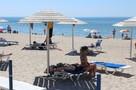Пляжный отдых-2020: в Янтарном очередь на лежаки с 8 утра, в Балтийске - бесплатная парковка