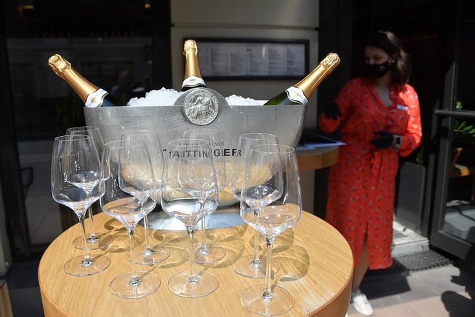 Эксперты назвали вина, которые лучше всего подходят к шашлыку