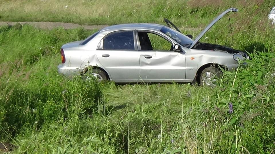 31-летний водитель угодил в кювет в возле орловской деревни Юрьево. Фото: Госавтоинспекция Орловской области