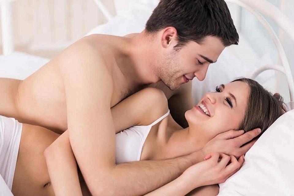 «На грани острых ощущений»: супружеская пара устроила ню-фотосессию и прославилась на весь мир, благодаря мемам о сексе