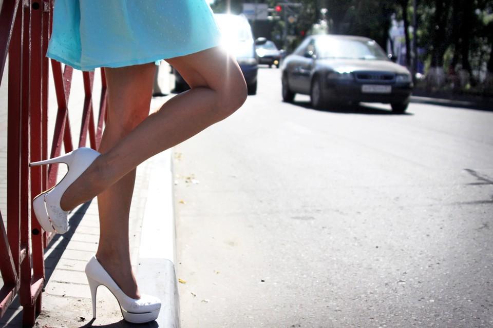 Проститутки ограбили москвича.