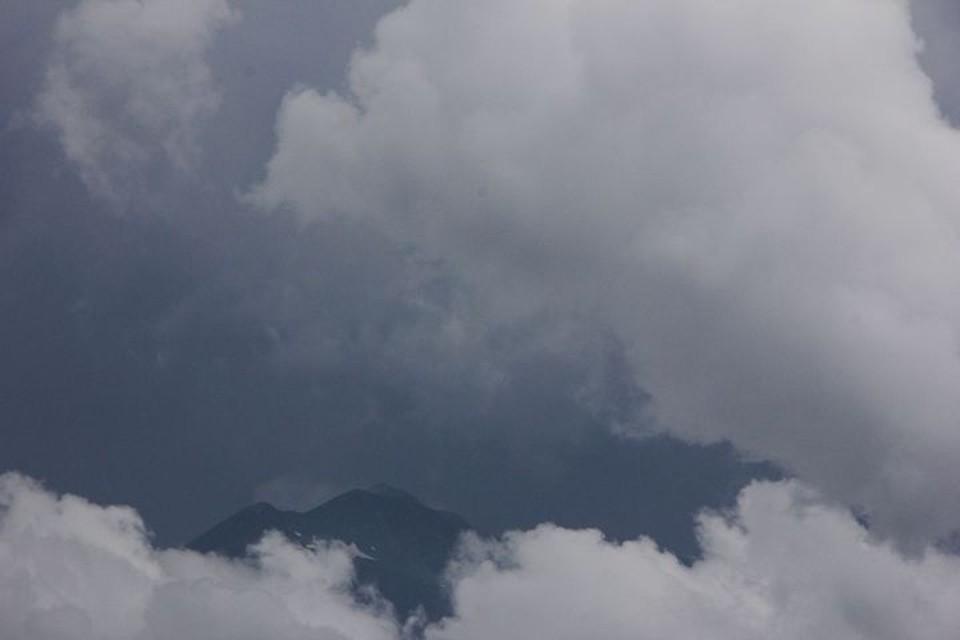 В Сочи объявили штормовое предупреждение из-за угрозы формирования смерчей.