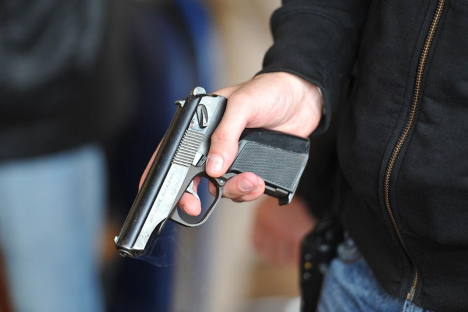 Арсенал оружия хранил у себя дома охранник делового центра из Иркутска