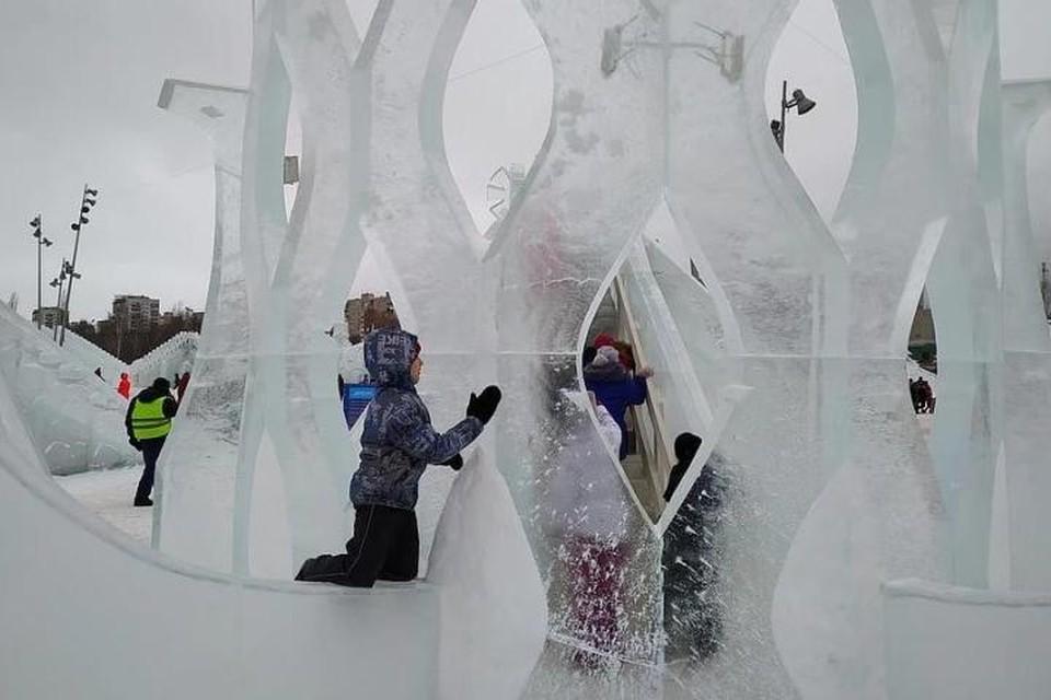 А так выглядел ледовый городок в этом году.